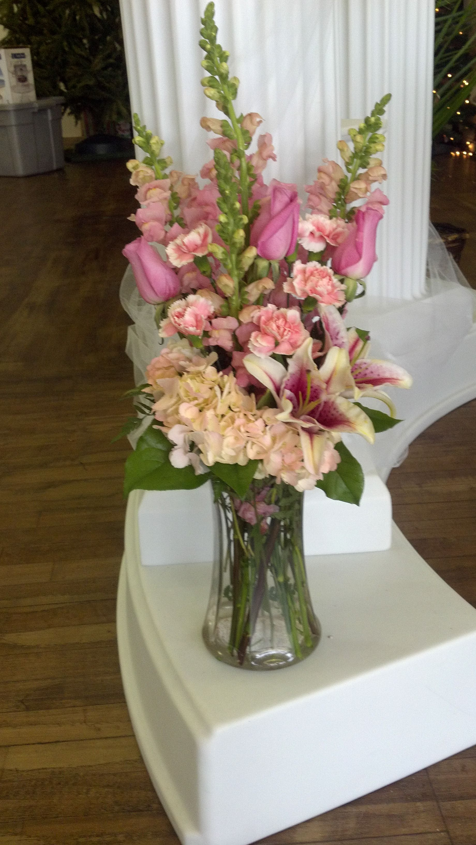 funeral flowers Flower arrangement supplies, Memorial