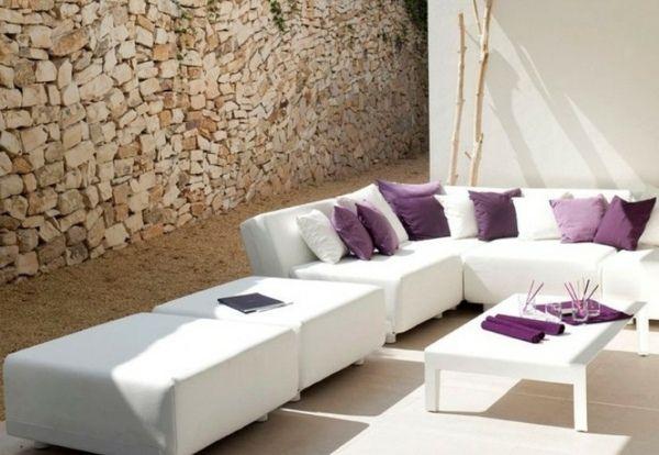 aménagement d'un salon de jardin en terrasse