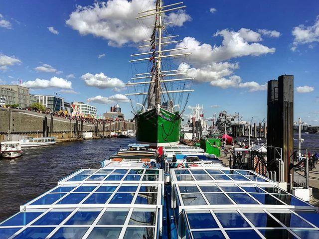 Port of Hamburg!... . . #portofhamburg #hamburgerhafen #hamburgfotografiert #hamburgliebe #hamburg_de #hamburg #hamburgmeineperle #ship #schiff #bluesky #love #travel #daily #germany #norden #deutschland #reise #hafengeburtstag #photography #travelphotography #elbe #igersgermany #germanytravel #festival #blue #people