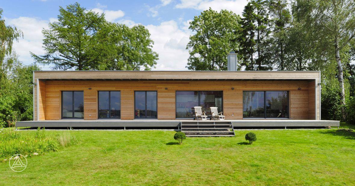 bei diesem modernen bungalow stand das wohnen auf einer. Black Bedroom Furniture Sets. Home Design Ideas