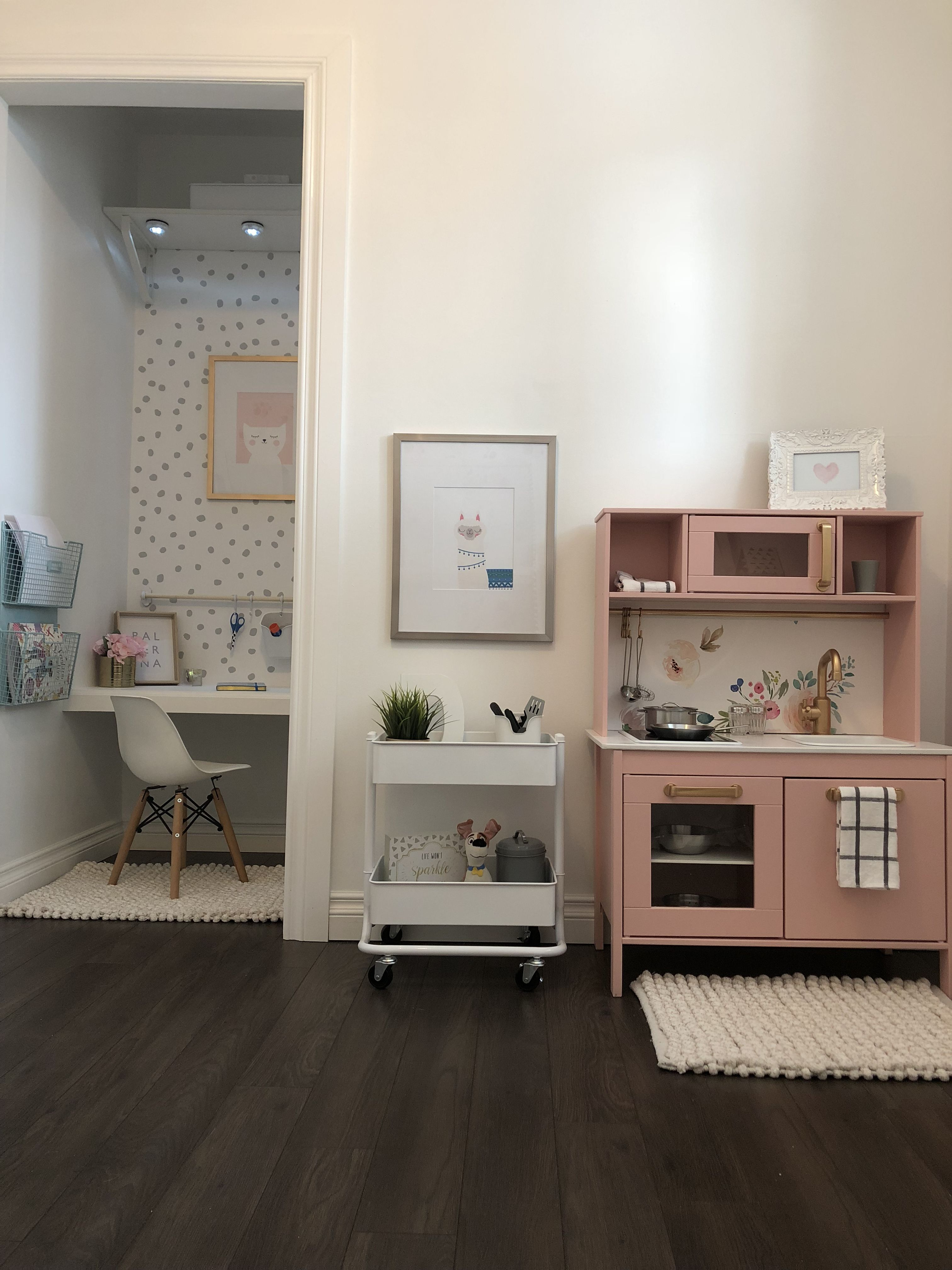 Corner desk space, for hall closet 🤷🏼♀️ Kid room decor