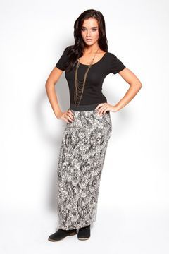 ShopStyle.fr: Geri All Over Paisley Lace Maxi Skirt Boohoo.