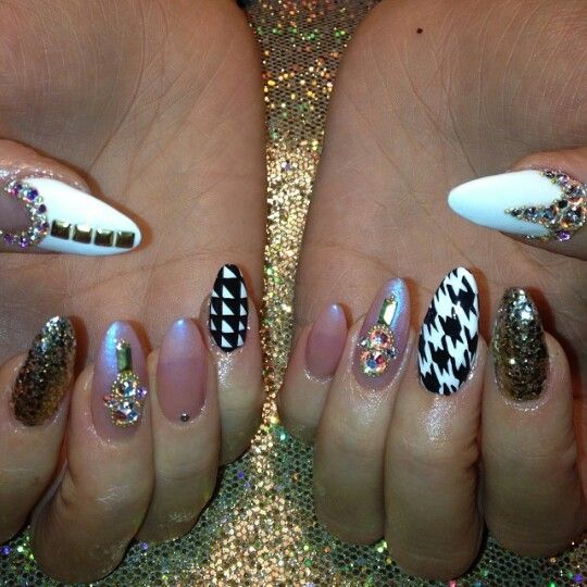Ig Tonikamarie Bedazzled Nails Beauty Hacks Nails Pointy Nails