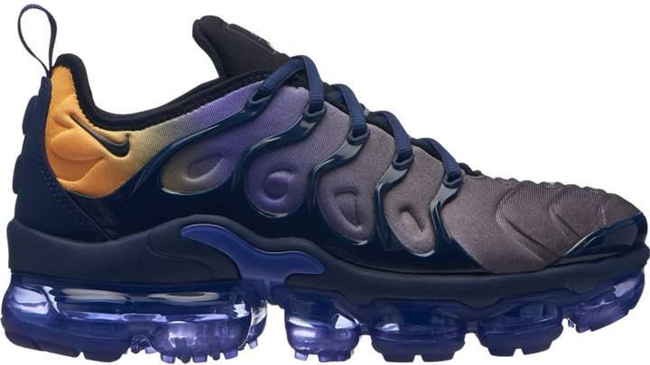 Sneakers fashion, Nike air vapormax