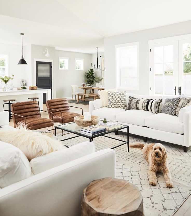 White And Cream Living Room Modern Coffee Table Leather Armchairs White Sofa With Images Living Room Sofa Design Farm House Living Room Living Room Inspiration