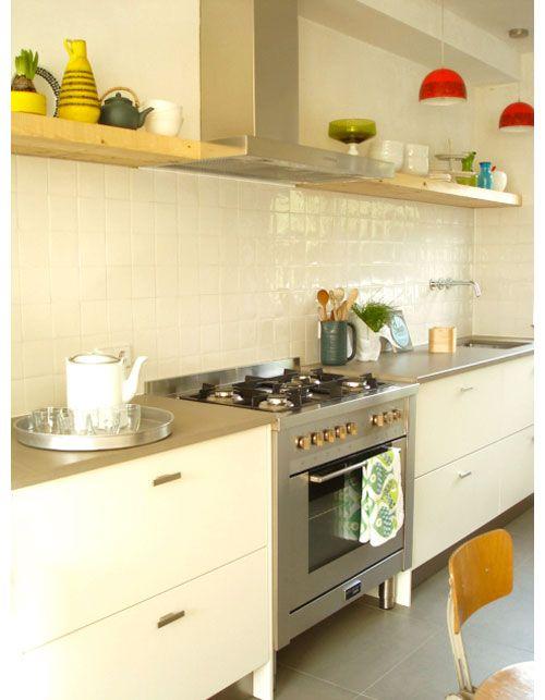 Extractor Shelves Running Alongside Hood Kitchen Kitchen Shelves Styling New Kitchen Interior