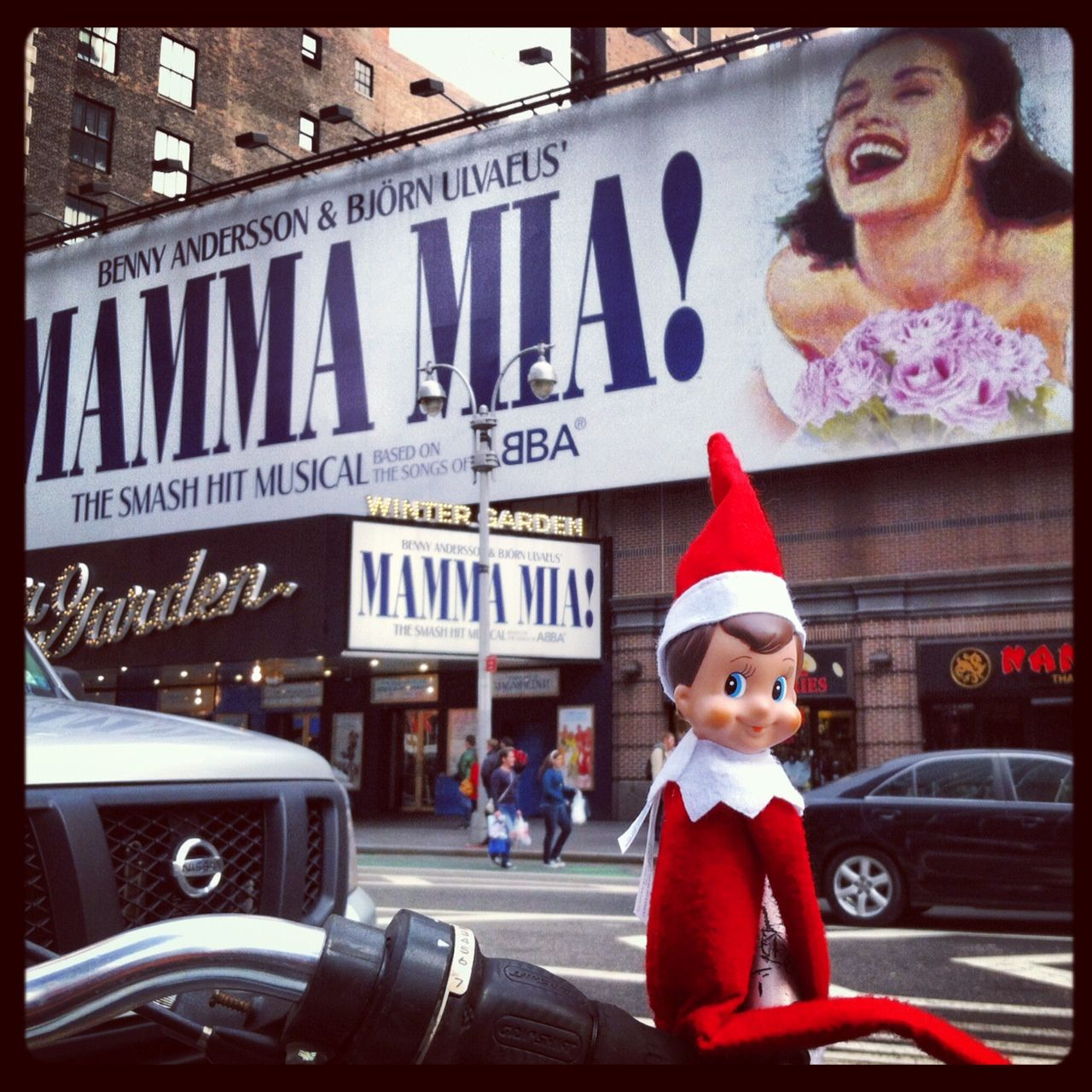 the next place on elfie u0027s tour around new york city is a broadway