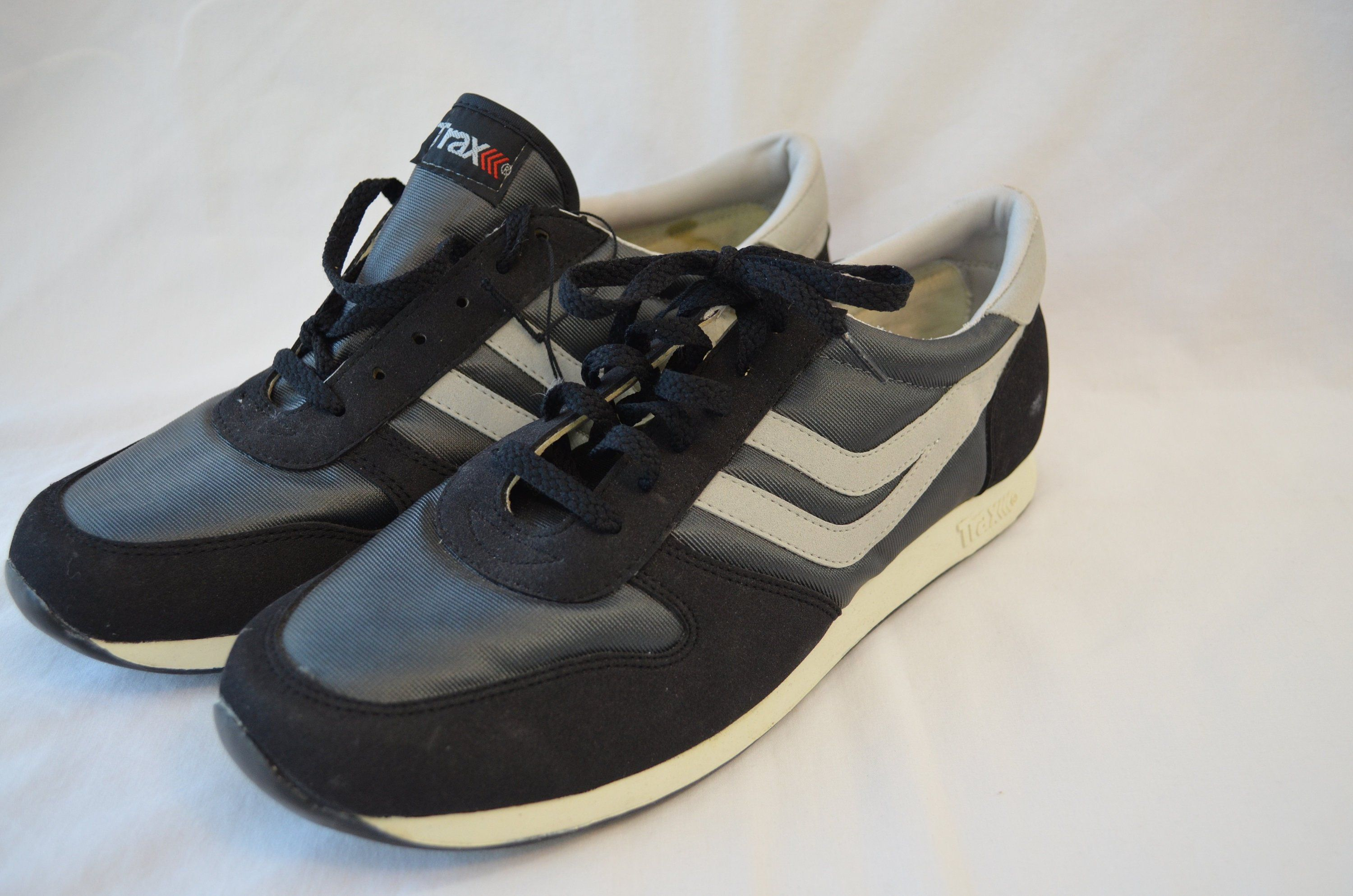 93706511439b Vintage TRAX tennis running SHOES mens sz. 11 1980 s NWT dead stock by  ilovevintagestuff on Etsy