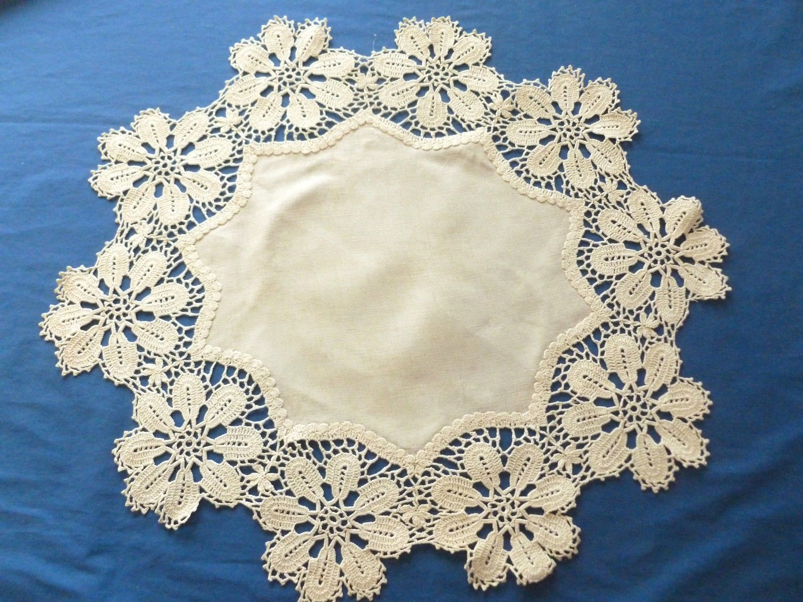 Vintage Table Cloth Topper Doily Hand Crochet Lace Ecru Round Runner ...