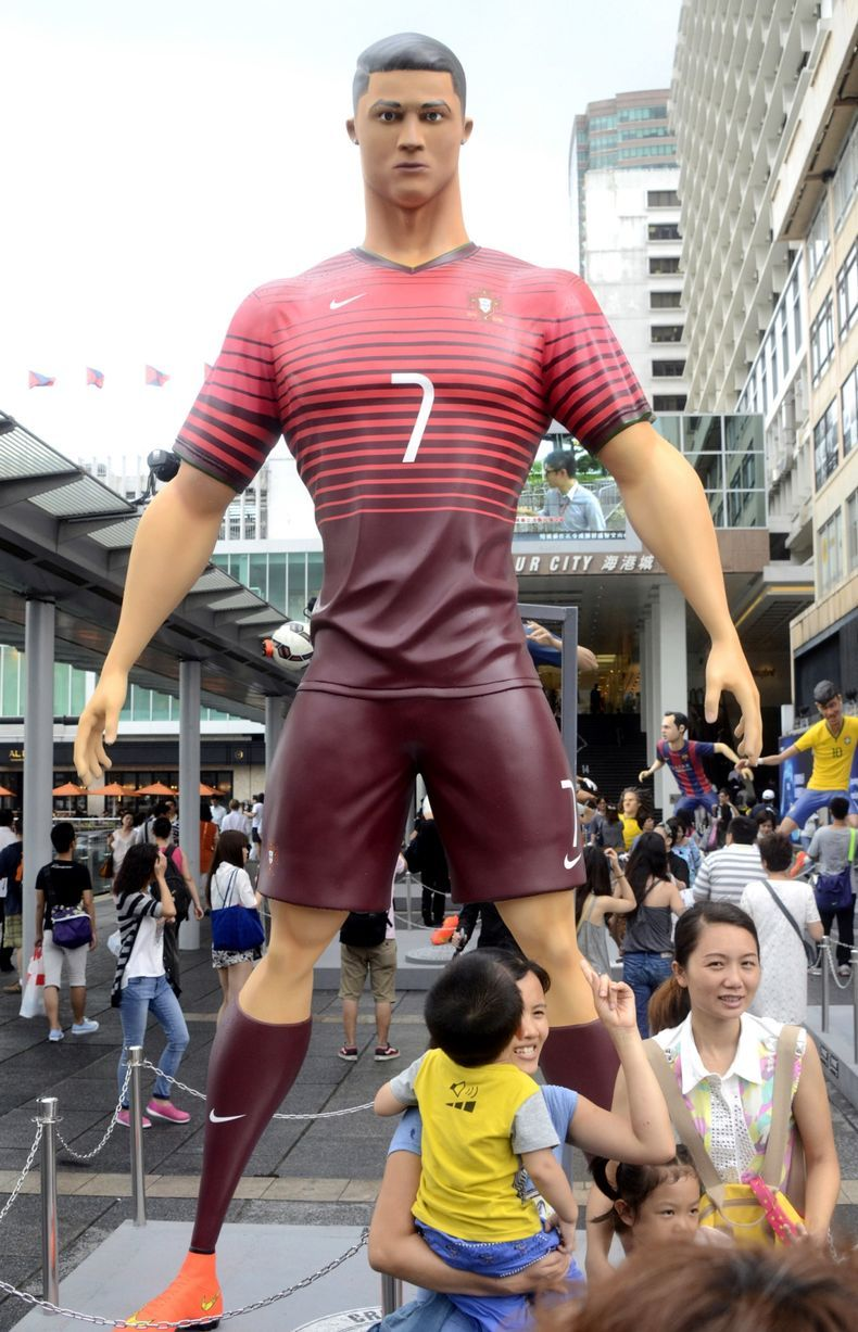Check out these giant statues of World Cup stars including Cristiano Ronaldo,  Rooney and Neymar
