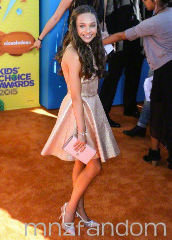 fc8eb5391ff5 Maddie Ziegler made a public appearance at the Nickelodeon Kid s Choice  Awards 2015 ...