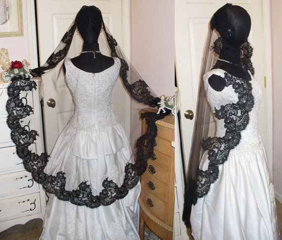 Gorgeous Victorian Gothic Black French Alencon Eyelash Lace Mantilla Mourning Costume Wedding Veil