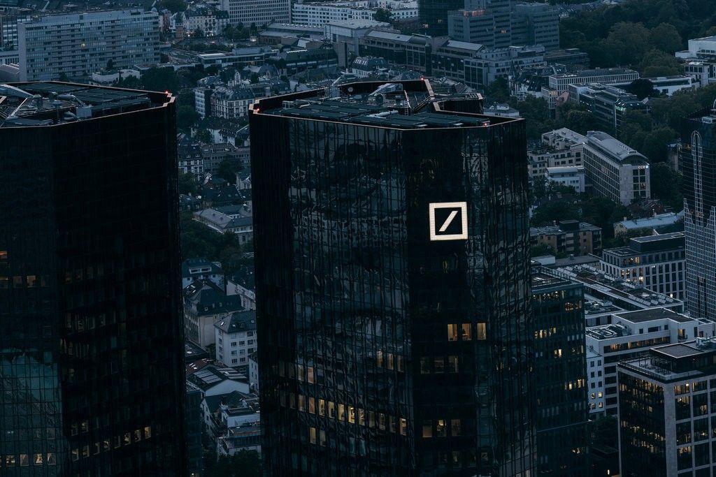 Deutsche Bank Says Software to Detect Money Laundering Had