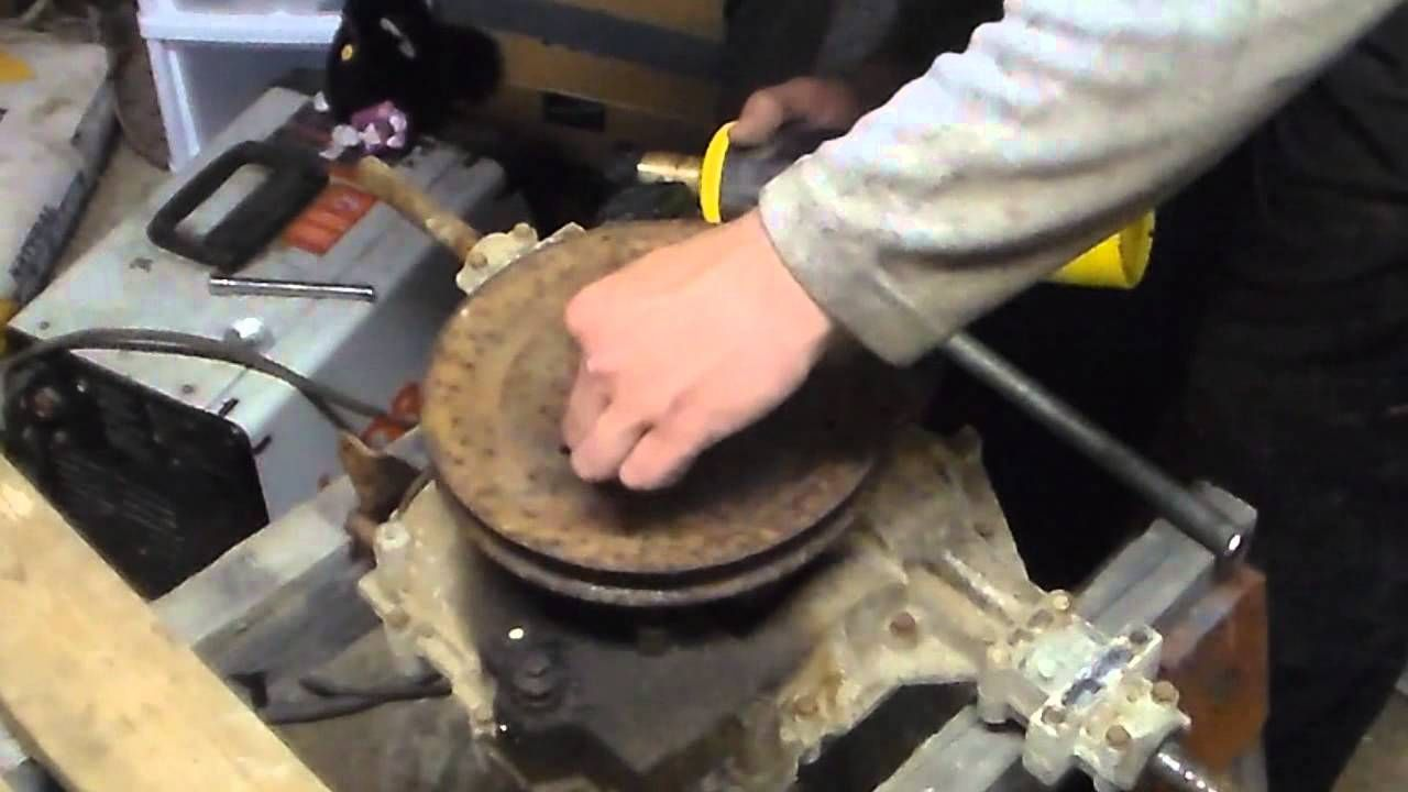 Remove A Stuck Transaxle Pulley In Less Then 5 Minutes Lawn