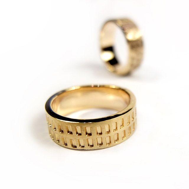 WASZE OBRĄCZKI ©       Obrączki ze złota z ręcznie tłoczonym wzorem   http://waszeobraczki.pl
