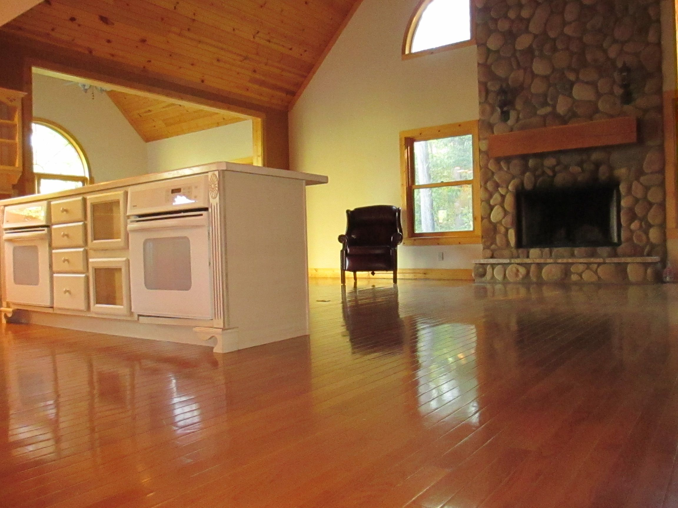 Floor To Ceiling Stone Fireplace, Owners Loft With Full Bath,