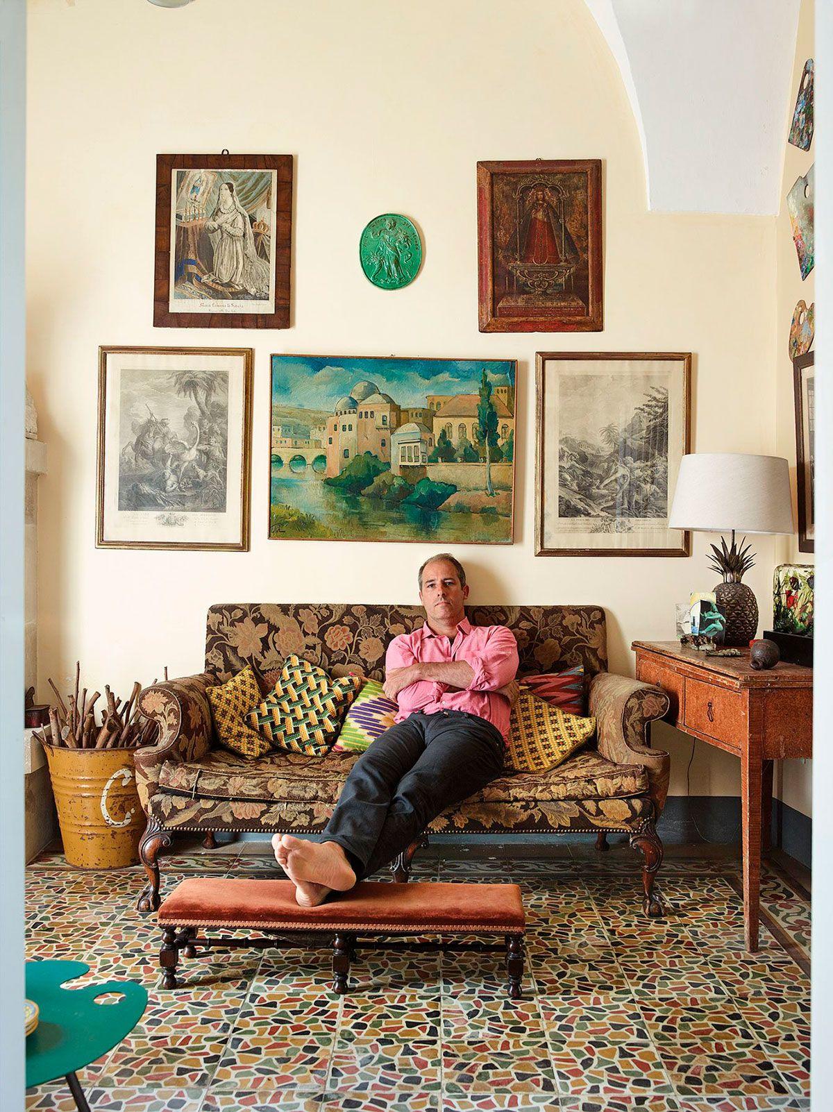 Uma Casa Antiga Mas Com Decora O Bem Atual Em Puglia -> Abajur Para Decoracao De Sala
