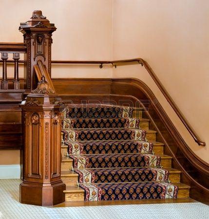 Vintage escalera de madera maciza con barandillas y postes ...