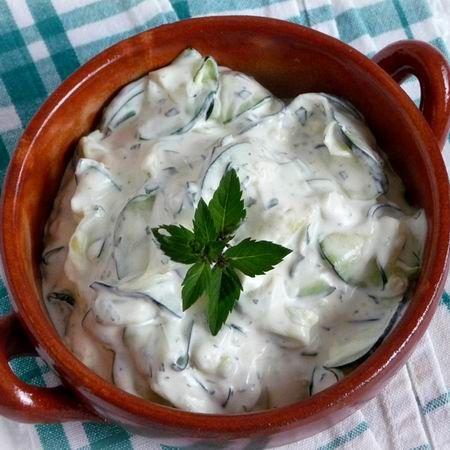 Egy finom Mentás cukkinisaláta ebédre vagy vacsorára? Mentás cukkinisaláta Receptek a Mindmegette.hu Recept gyűjteményében!