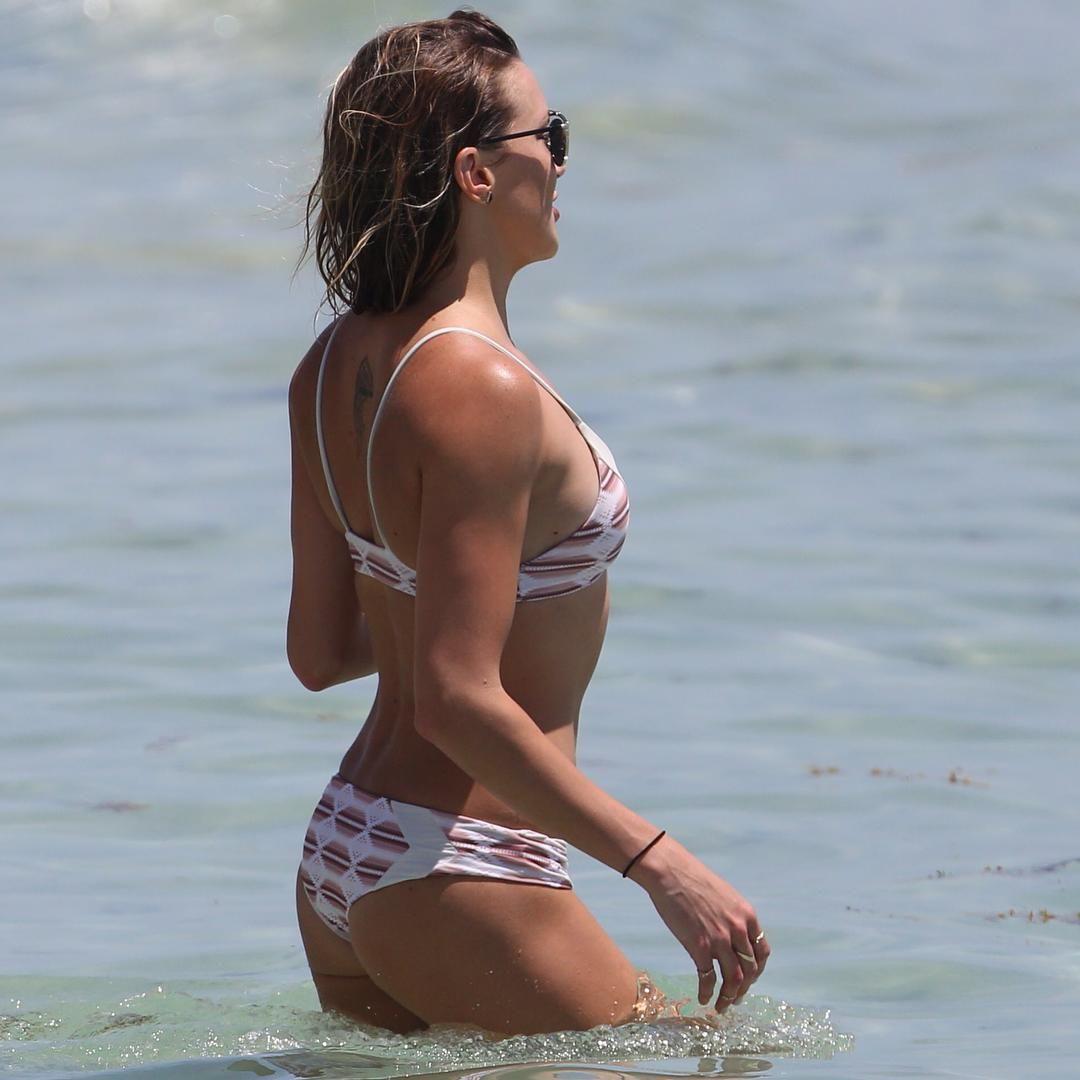 katiecassidy #bootyy #bikini #sexyy #hot #arrow #celebrities | katie