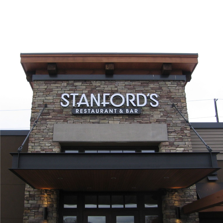 Stanford S Restaurant Bar Meyer Sign Co Of Oregon Restaurant Bar Restaurant Restaurant Signage