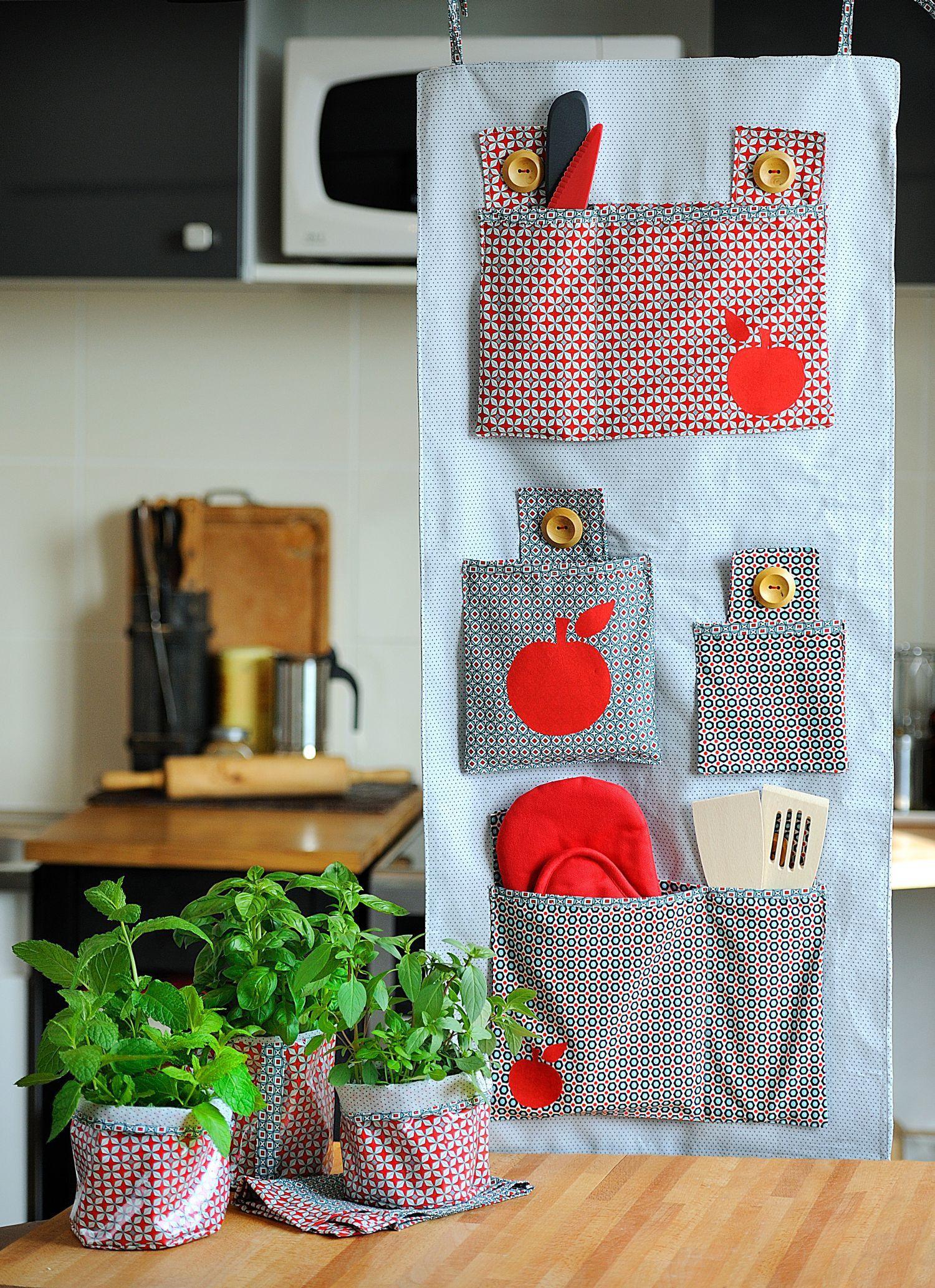 patron ensemble de cuisine vintage cuisine couture. Black Bedroom Furniture Sets. Home Design Ideas