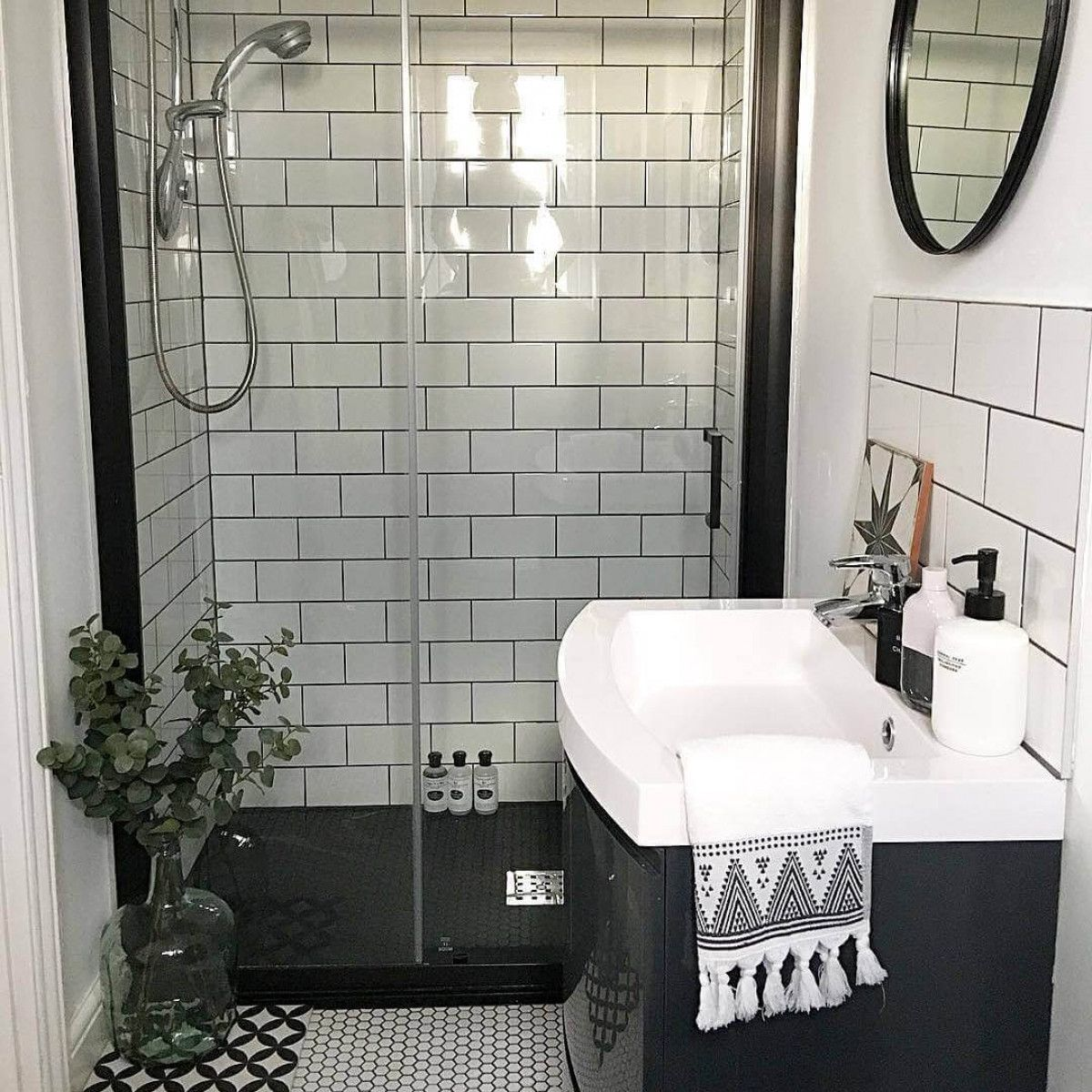11 Brilliant Walk-in Shower Ideas For Small Bathrooms In