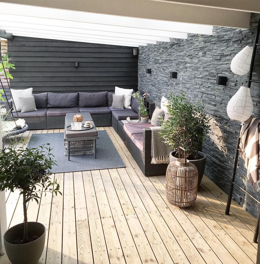 Pin Von Laura Walaszek Auf Vert D Exterieur Holzhutte Garten Terrassengestaltung Garten Terrasse