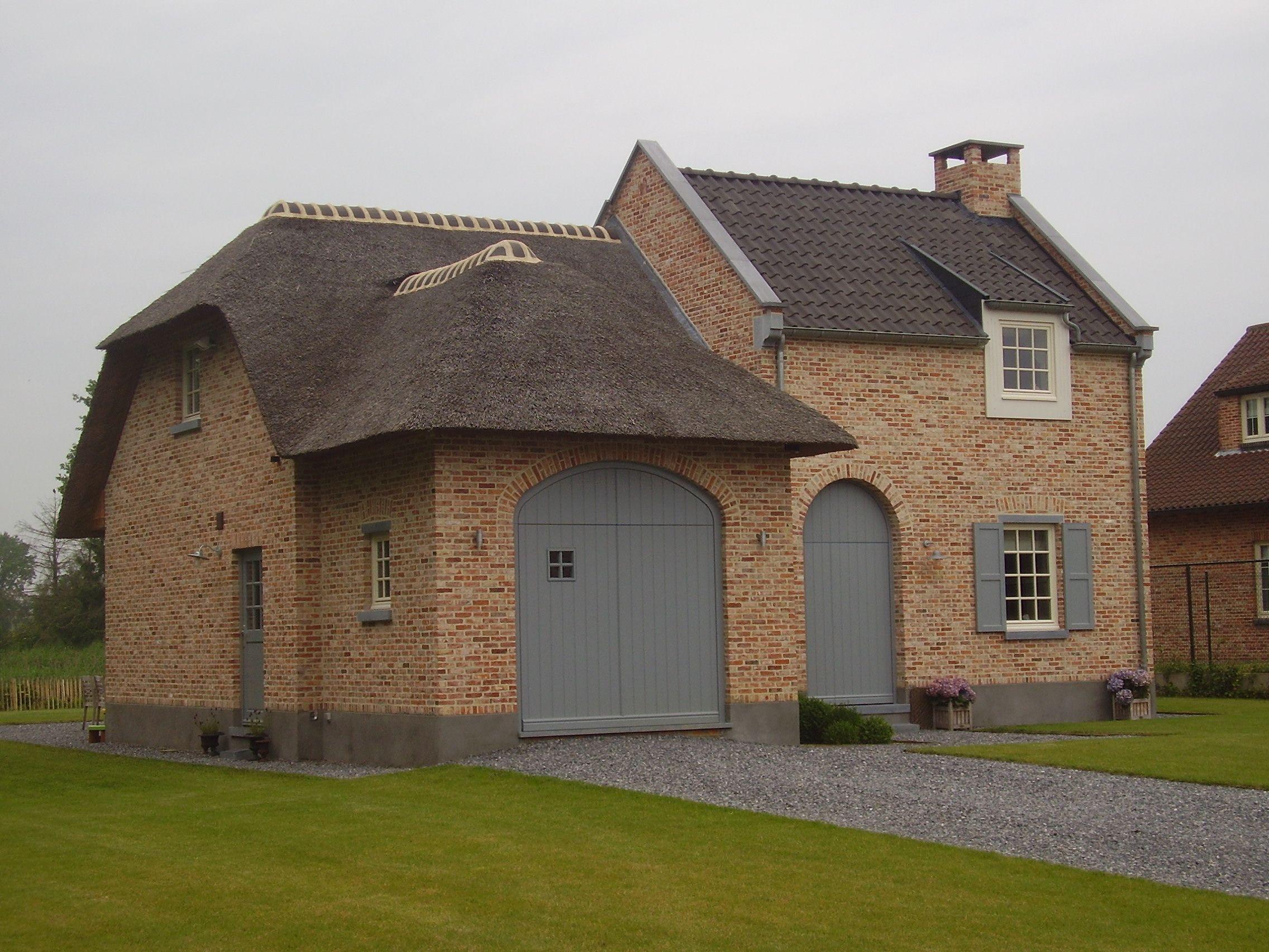Accenten + garage | Belgian architecture | Pinterest | Landhaus ...