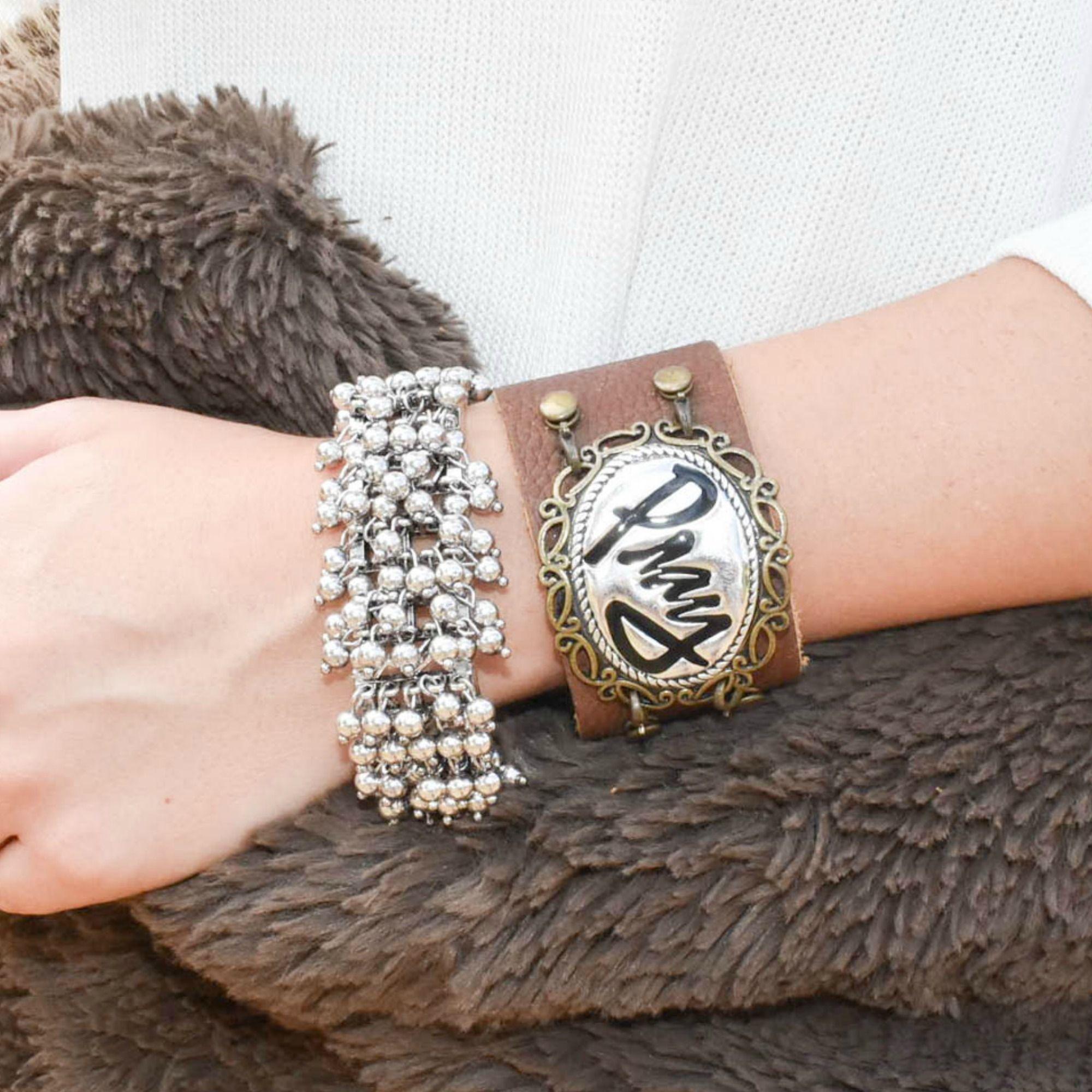 Wanda Bracelet Item Pb200 Silver Hooked To An Elastic Bangle Create A Flirty Look