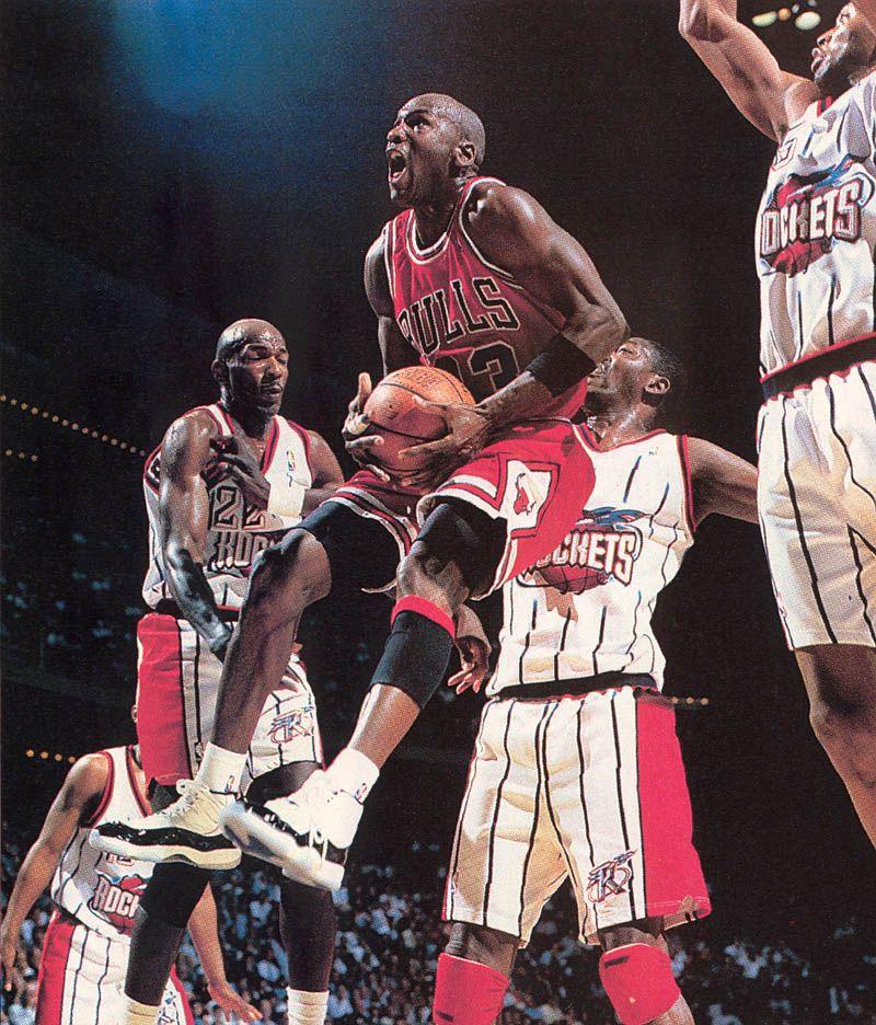 d5b233a8c703 Michael Jordan wearing Air Jordan XI 11 Concord (36)