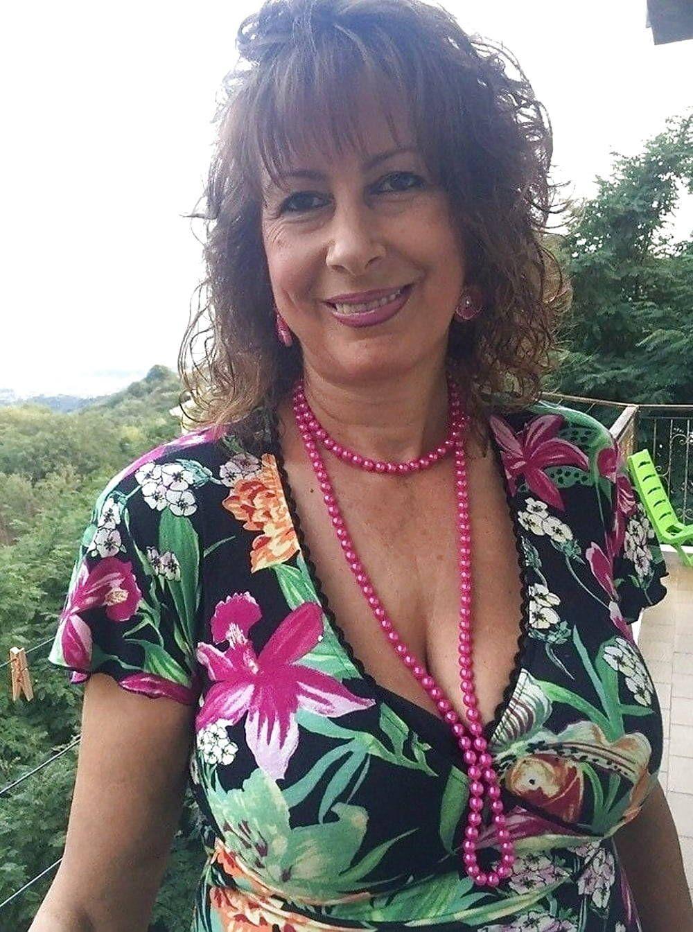 top of the mature | mamma | pinterest | woman