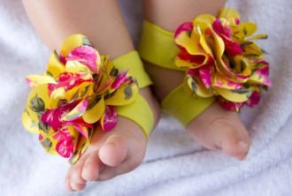 Frilly Baby Barefoot Sandals | YouCanMakeThis.com