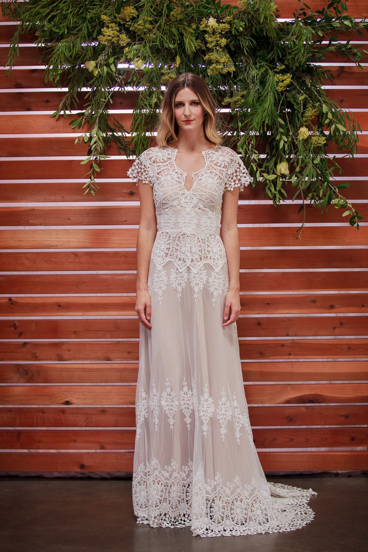 61d61f3a3 dreamers-and-lovers-azalea -lace-bohemian-wedding-dress-with-crochet-scallop-hem-and-train