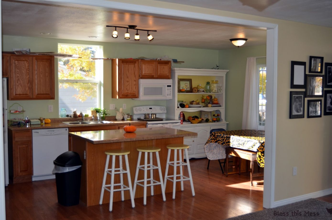 Superieur 50+ How Much Is It To Remodel A Small Kitchen   Interior Paint Color  Schemes Check More At Http://www.soarority.com/how Much Is  It To Remodel A Smau2026
