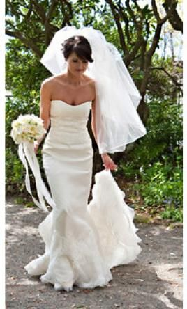 Jim Hjelm 8709: buy this dress for a fraction of the salon price on PreOwnedWeddingDresses.com