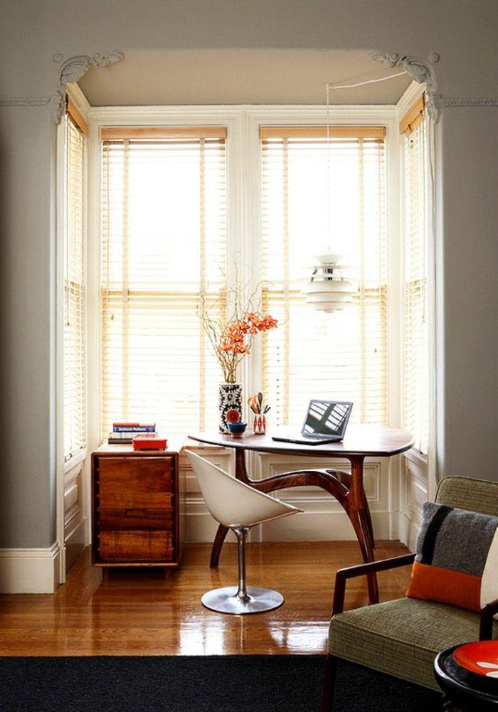 Kleines Büro Am Fenster Einrichten. Halbrunder Tisch Plus Stauraum