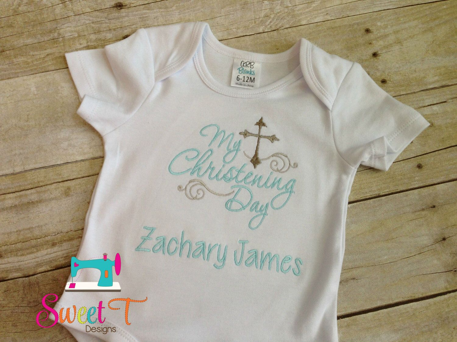 Personalised Embroidered HAPPY OR MY 1ST CHRISTMAS BABY VEST BODYSUIT KEEPSAKE