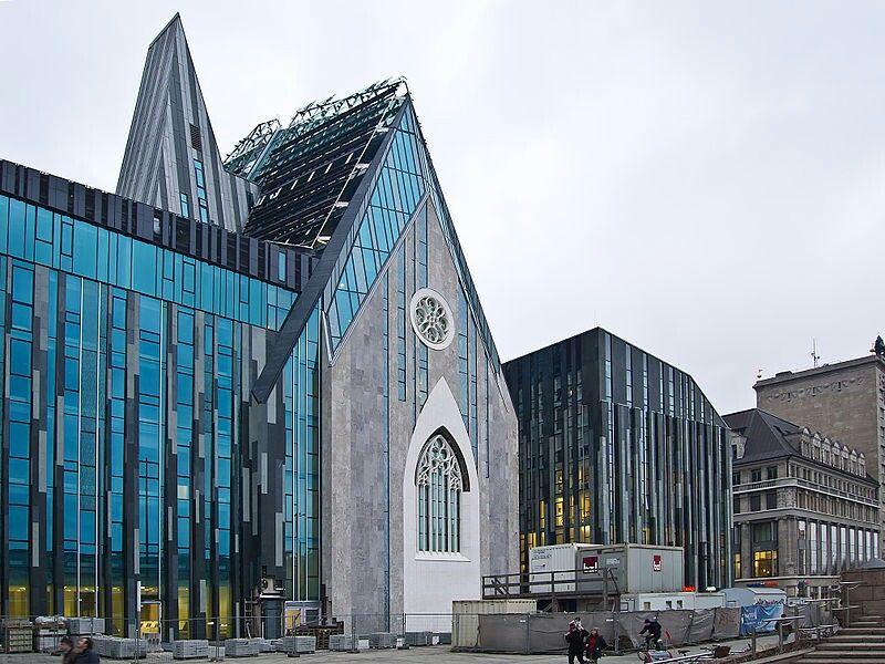 Leipziger Unikirche, Pauliner Kirche, Nachbau an der Stelle der historischen Kirche St. Pauli, die 1968 vom DDR Regime abgerissen wurde.
