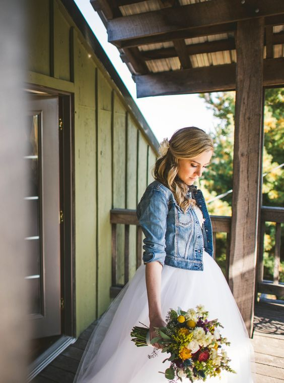 Al Matrimonio In Jeans : Come scegliere labito da sposa perfetto in poco tempo e
