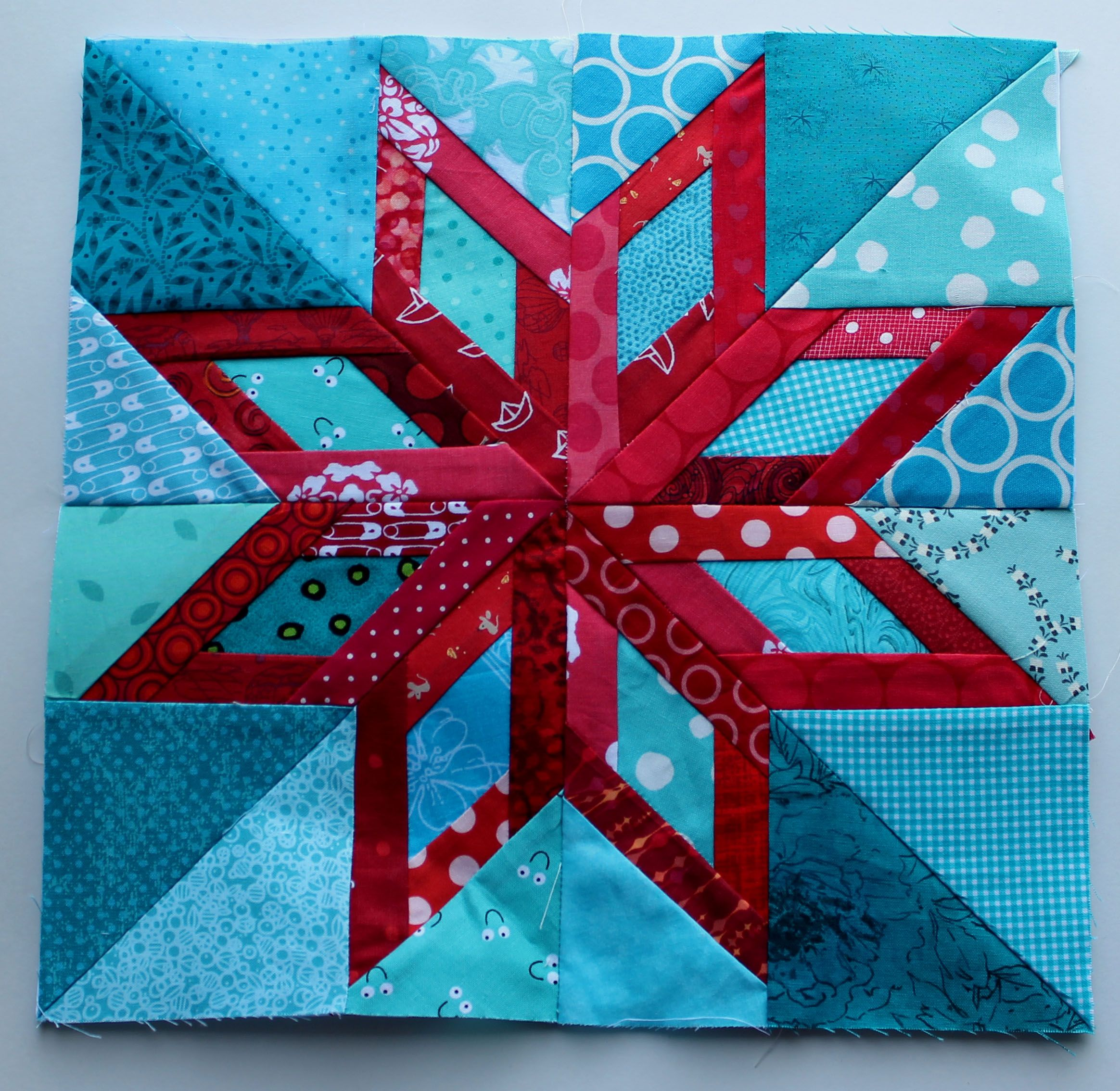 I don't like to paper piece, but I am in love with this block.---C ... : star block quilt pattern - Adamdwight.com