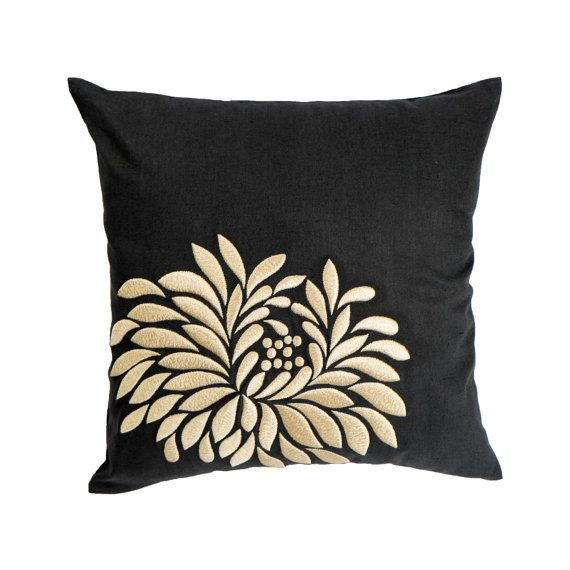 Cuscini Beige.Beige Flower Pillow Cover Black Linen Beige Floral Embroidery