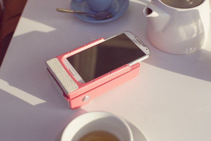 Prynt is the first of its kind, a smartphone case that turns your iPhone or Android smartphone into an instant camera by printing photos on the go.