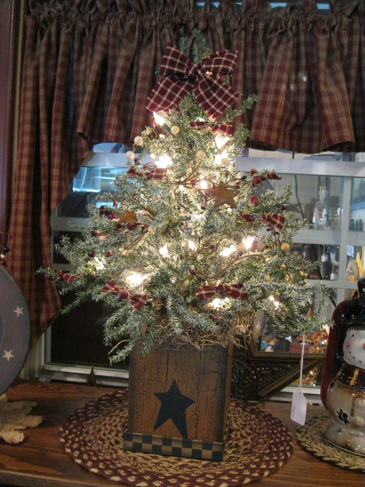 Country Christmas Trees 1000 Ideas About Primitive Christmas Tree On Pinteres Primitive Christmas Tree Country Christmas Trees Country Christmas Decorations