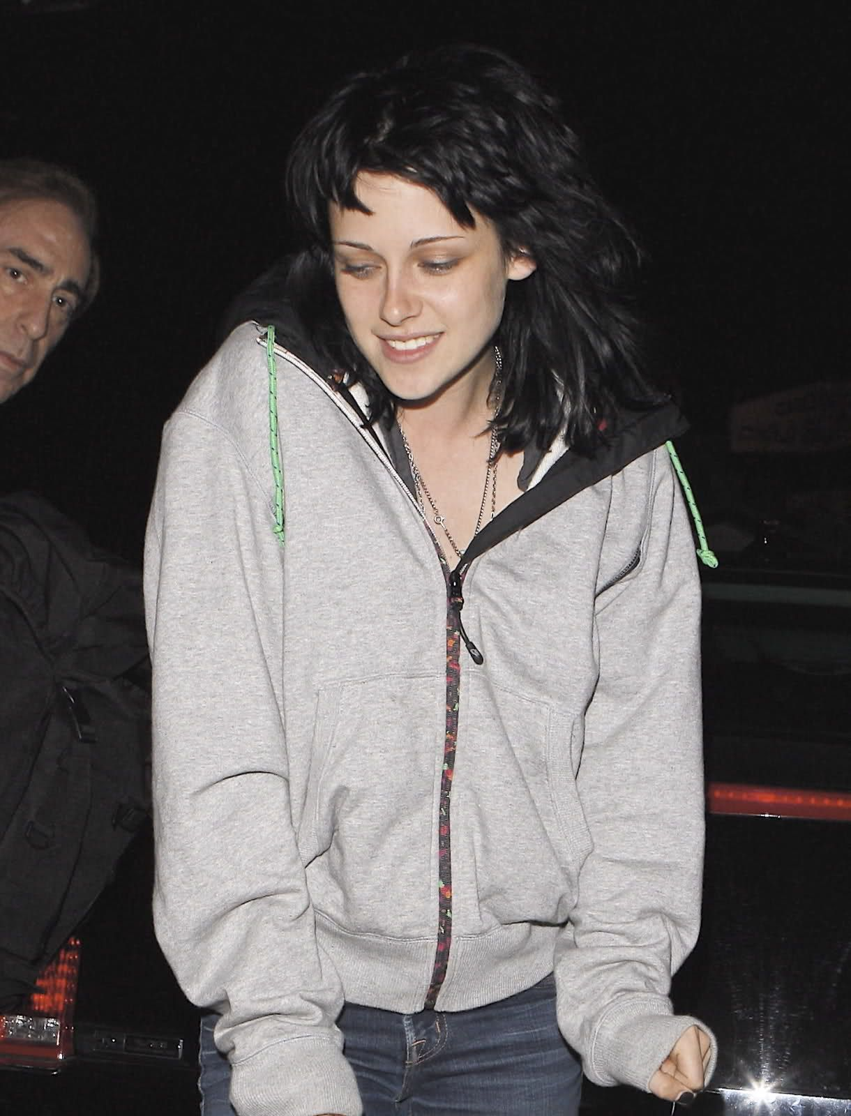 Kristen Stewart out in June 2009
