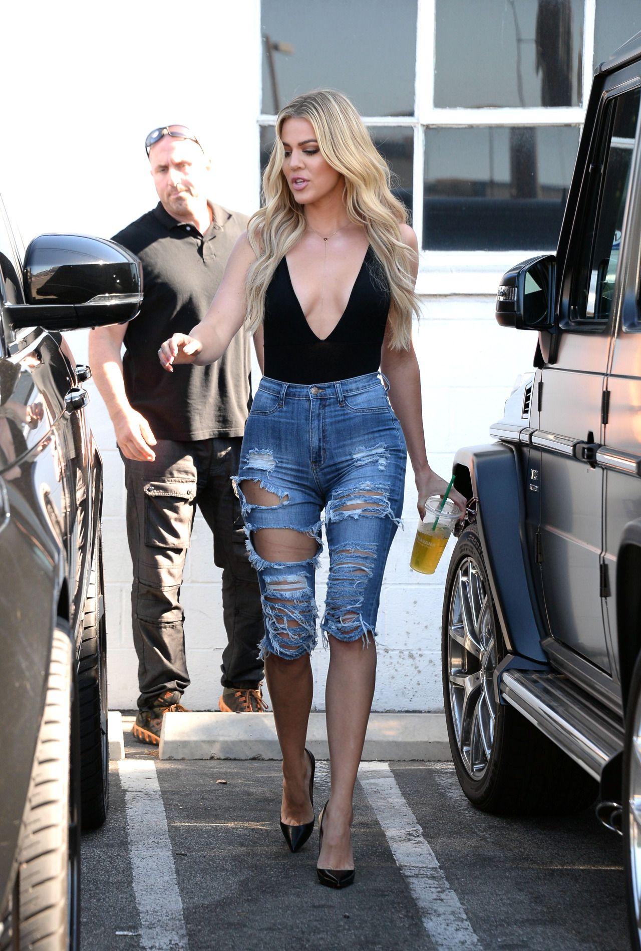 Kardashian Jenner image by abi gace   Khloe kardashian style