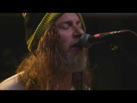 Black Mountain - Full Performance (en direct sur KEXP) - YouTube