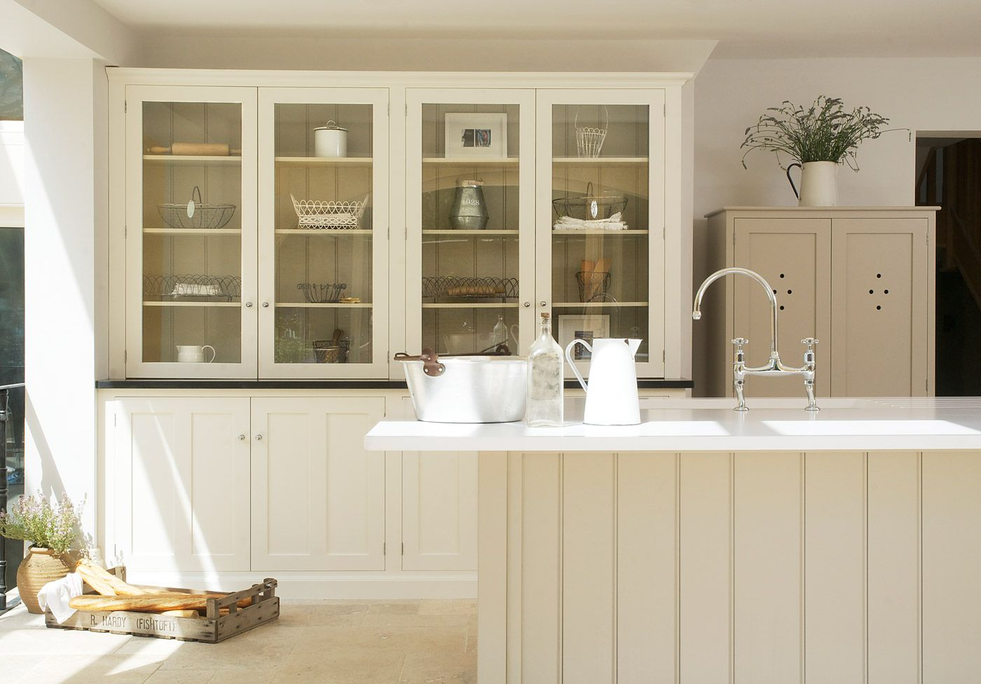 Shaker Kitchens Fullscreen Gallery - deVOL Kitchens | Handmade ...