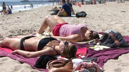 Why is sunning like addiction? Study could explain