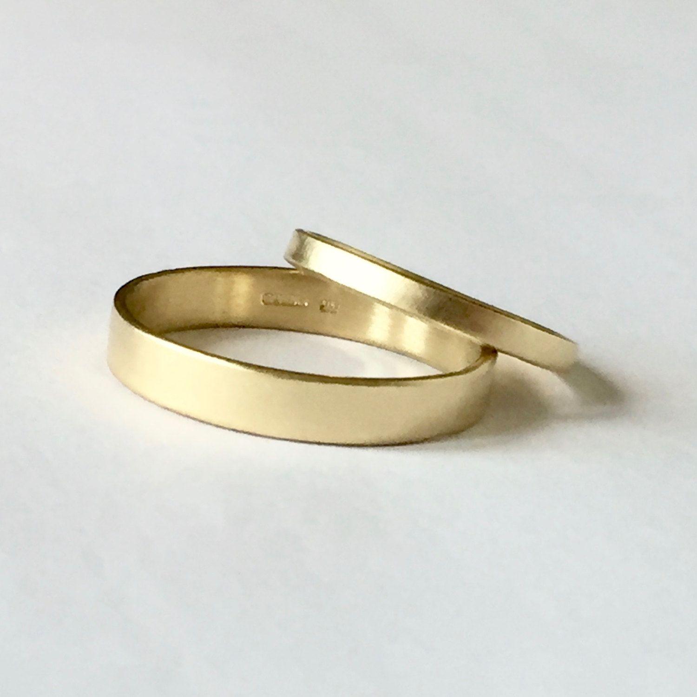 wedding ring set - two plain bands - 18 carat gold - men's women's